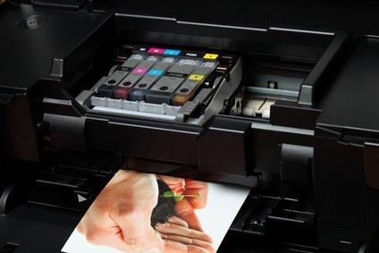 Netzwerkdrucker beim Druckvorgang