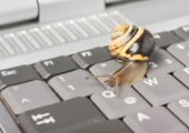 Symbolbild Laptop zu langsam