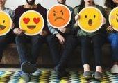 """Titelbild Tipp""""Emojis in Outlook einfügen"""""""