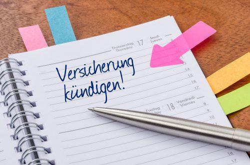 Terminkalender mit Hinweissticker - Versicherung kündigen