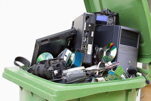 Entsorgen alte Hardware und tauschen Sie Betriebssystem und Programme gegen neuere Versionen aus, um die Anfälligkeit Ihres Netzwerkes gegen IP-Spoofing zu reduzieren.