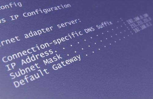 Der Spoofer verändert zwar den Adresseintrag des IP-Paketes, die eigentliche IP-Adresse bleibt jedoch erhalten.