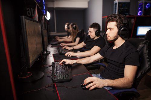 Gruppe trainiert Gaming