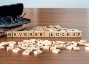 Reverse Lookup Schriftzug
