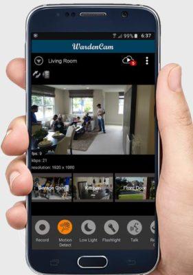 WardenCam Kamera-App mit Sprachsteuerung auf einem Samsung Smartphone