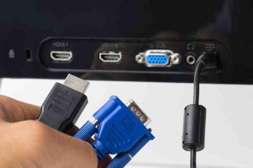 HDMI und VGA auf der Rückseite eines TVs