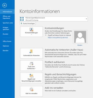 In den Kontoinformationen können Sie eine automatische Weiterleitung in Outlook einrichten