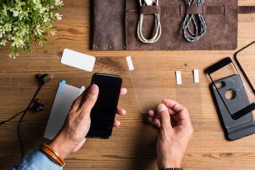 Smartphone Display Kratzer entfernen Panzerglas