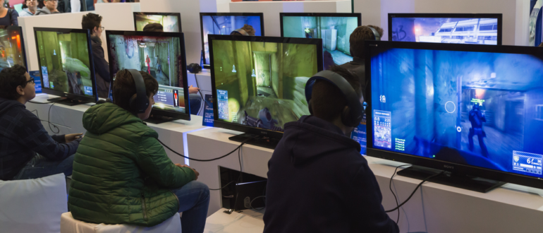 Gamer zimmer 6 bildschirme  Gaming-Monitor Test & Vergleich 2017 - die besten Produkte