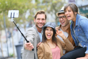 selfie stick freunde