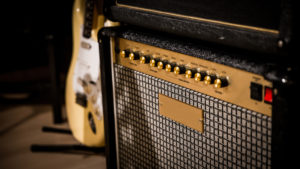 roehrenverstaerker-gitarre