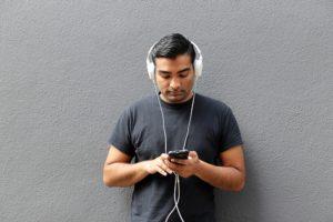 over-ear-kopfhoerer-fuer-smartphones