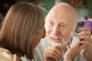 schnurloses-telefon-mit-anrufbeantworter senioren