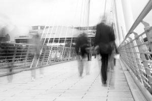 ND-Filter Menschen auf Brücke